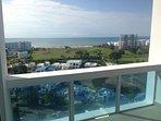 Hermosa vista  al mar y complejo residencial