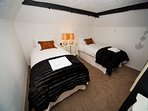 Horseshoe can become twin bed on request, please ask when booking.