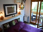 quiet studio apartment few steps from the Chain bridge