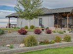 Beautiful landscaped area with approx. 1 acre for your enjoyment