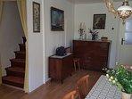 H(9): dining room