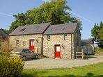 Newport holiday cottage with sea views - pets welcome
