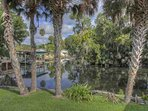 Take a short boat ride down this deep canal that feeds to the St. John's River, Lake George and Silver Glen Springs.