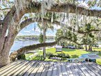 Have lunch on top of the Blackwater Inn Restaurant where you'll get a bird's eye view of the St. John's River.