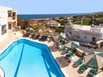 Panoramic aspect of the pool and view!