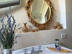Country Loft Suite - bathroom