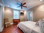 2nd Floor Queen Bedroom feat. Shared Bath HD Flat-Screen TV