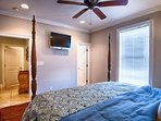 3rd Floor King Suite with Private Bath feat. HD Flat-Screen TV