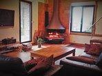 En hiver, appréciez la chaleur d'un bon feu de bois et la douceur d'un chauffage en géothermie