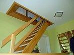 Fewo-Kombi - Treppenaufgang zur  Küche und zweitem Schlafzimmer im DG