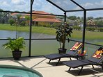 Enjoy the sun in the sun loungers at the poolside