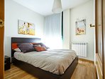 Dormitorio doble, con cama de matrimonio