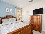 Suite 4 - Queen Bed, Closet, TV, Bathroom with Tub