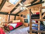 Upstairs guest bunk bedroom.