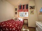 Bedroom,Indoors,Room,Sink,Furniture