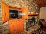 Living Room TV/DVD & Toasty Fireplace Available