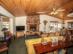 Relaxing Living Room Furnishings