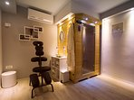 Spa area with sauna, massage option with professional physiotherapist