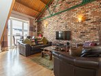 Somerset Studios, City Centre, Parking, WiFi, sleeps upto 6