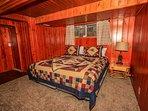 Indoors,Room,Bed,Bedroom,Furniture