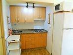 Cocina, frigorifico y microondas