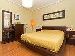Dormitorio principal con cama de 150 cm