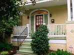 Quintessential New Orleans Classic. (Mid-City) sleeps 8