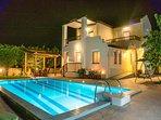 Villa HELIOS romance by night