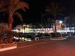 Puerto de la Duquesa 'by night', avec ses nombreux bars et ses restaurants sur 3 niveaux