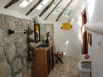 Casitas Kinsol Room #8 - The bathroom with a wall of stones