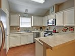 You'll love making your favorite meals in this fully equipped kitchen!