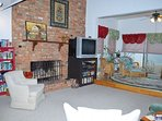 Living Room w/Fireplace (Gas Logs)