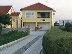 "Apartmani ""More"" - Seaview 50m to beach"