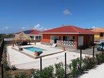 Casa Kontentu met privé zwembad, ruime tuin en de palapa van 4x 4meter