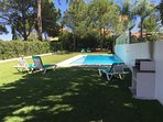 Garden, pool and Barbecue