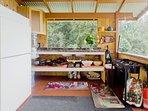 kitchen sink, refrig, 2 burner stove.. .simple