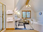 Gold Flake Chalet Master Bath Breckenridge Lodging Vacation Rent