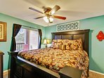 master bed room, King size bed, private access to deck area