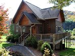RIVERSIDE REFLECTIONS -Easy River Access, Fire Pit, WiFi & Covered Porch!