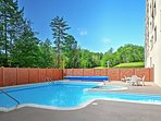 Situated in a lovely condo complex with heated pools, this condo guarantees a rejuvenating retreat!