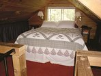 Sleep at tree canopy height in the loft with queen size bed. Please mind your head ceiling is 6' max
