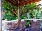 Relax in the shaded lapa and read a book, or just relax ...