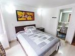 dormitorio con televisión #1