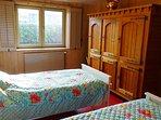 2 x 1 bedroom (picture 1)