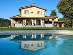 The villa with its private swimming pool