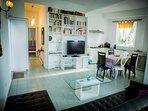 Appartement de 2 chambres, Jusqu'à 6 personnes avec canapé lit dans le living, à 30 mètres de la mer