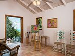 Stone-built studio, tucked away in the palm trees, perfect for yoga or painting