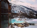 15 minutes to the thermal spa and swimming in hot water beneath overhanging glaciers