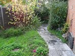 wild back garden + possibility for laundry dryer