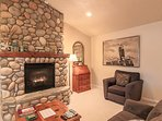 Quiet and relaxing home, enjoy your favorite book in front of the stone fireplace
